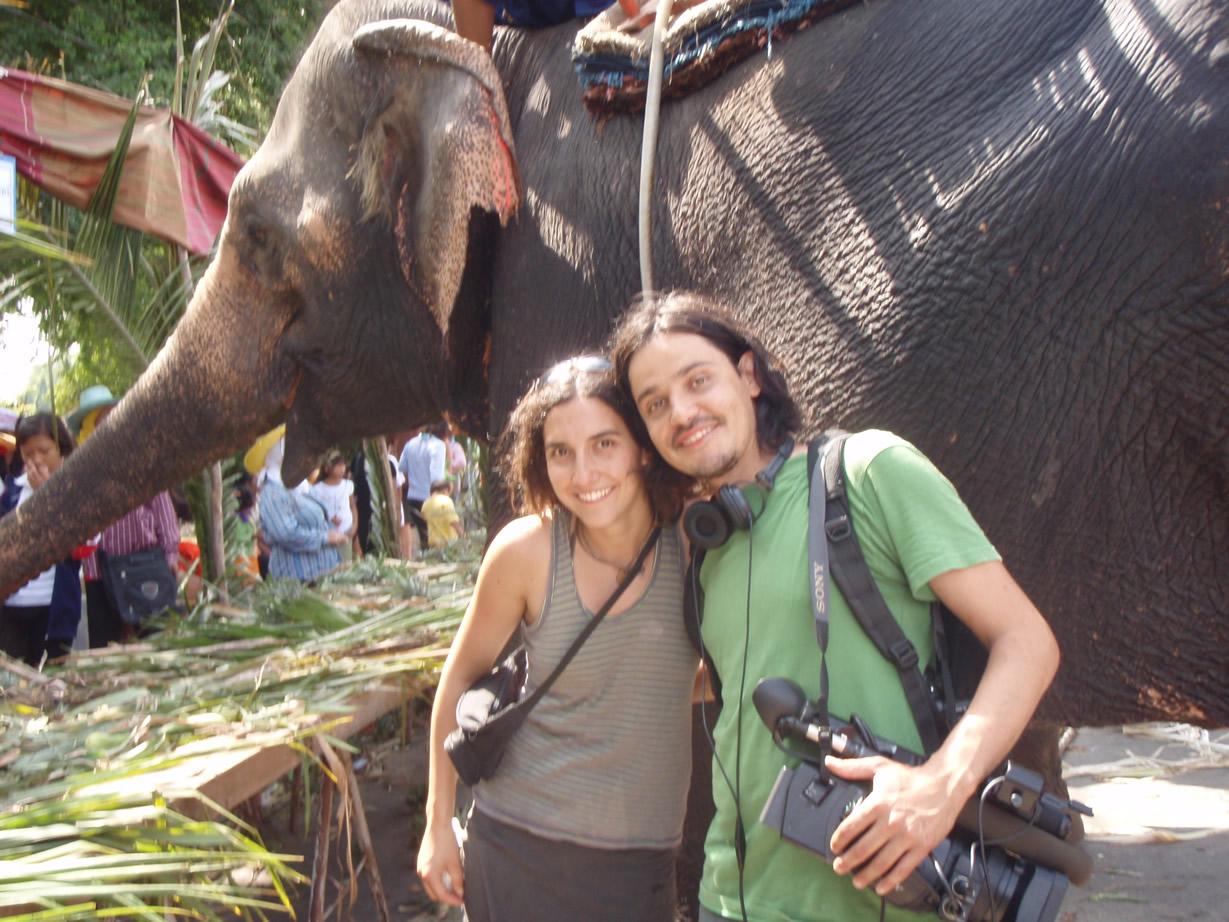Realizadores del documental chilenos y elefante asiático